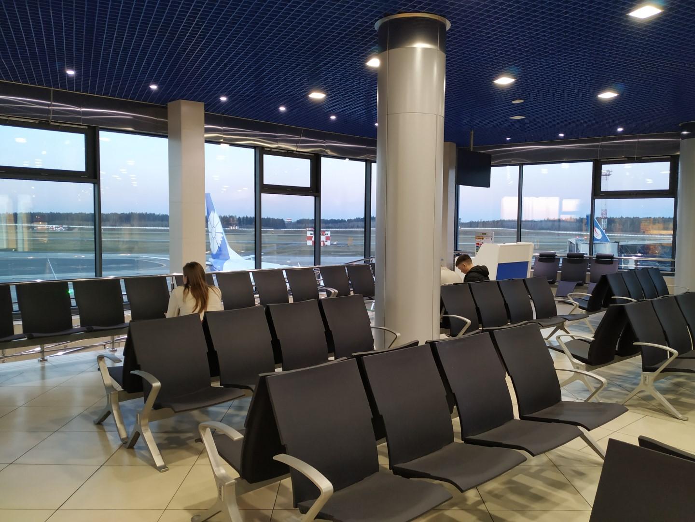 Зал ожидания в чистой зоне аэропорта Минск Национальный
