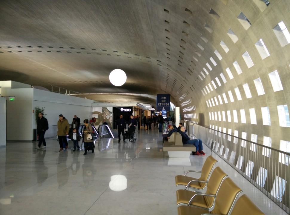 В аэропорту Париж Шарль-де-Голль