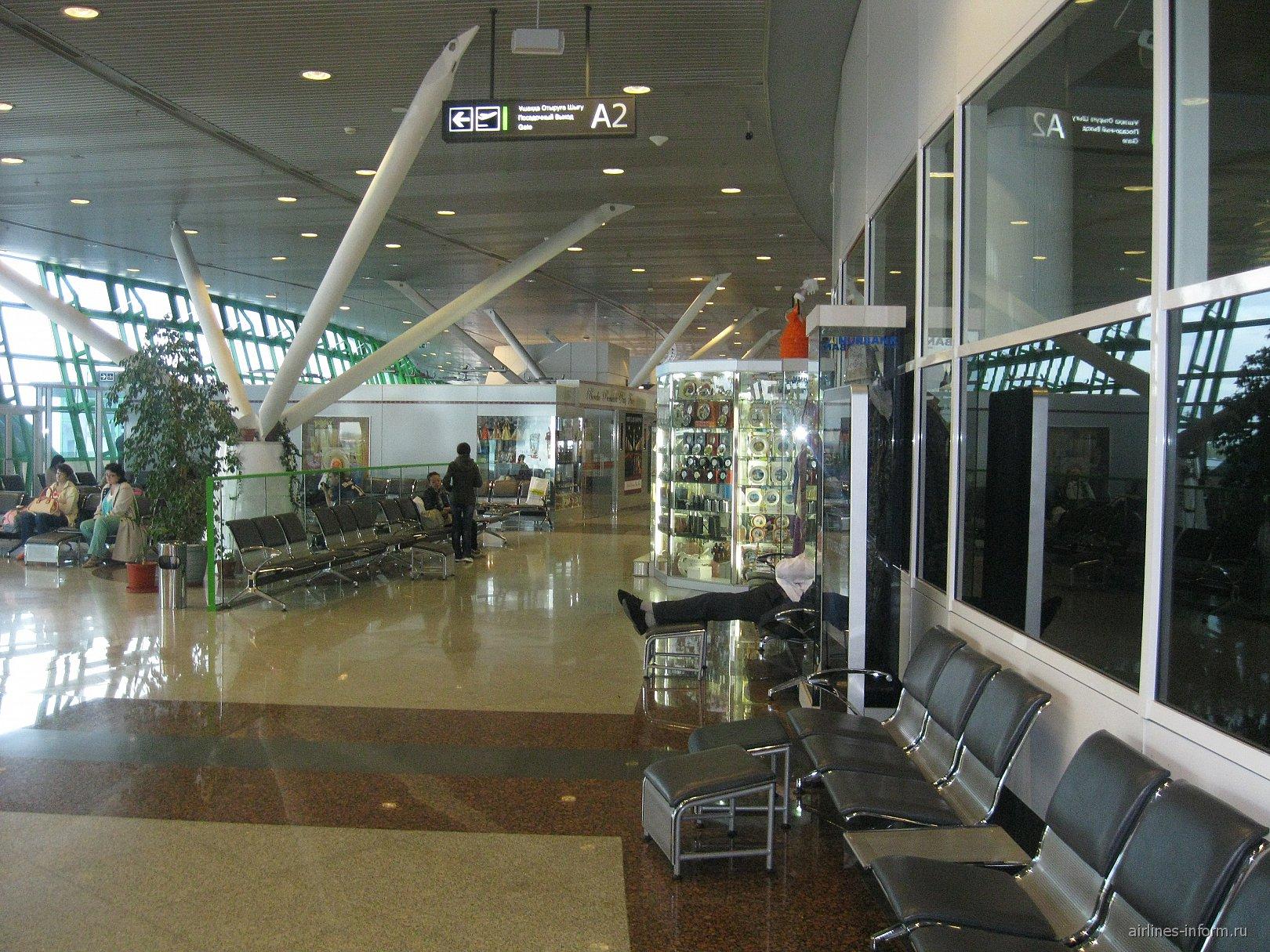 Залы ожидания в чистой зоне аэропорта Астаны