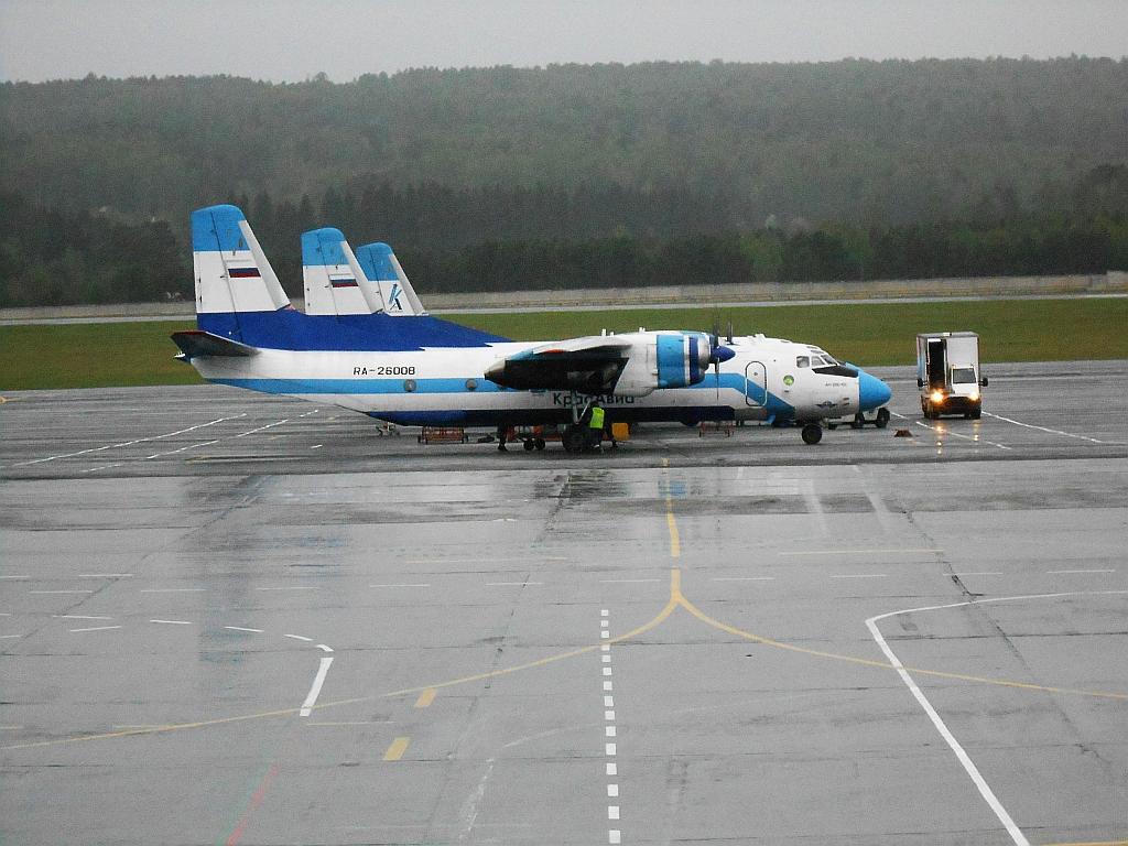 Ан-26 авиакомпании Красавиа в аэропорту Емельяново