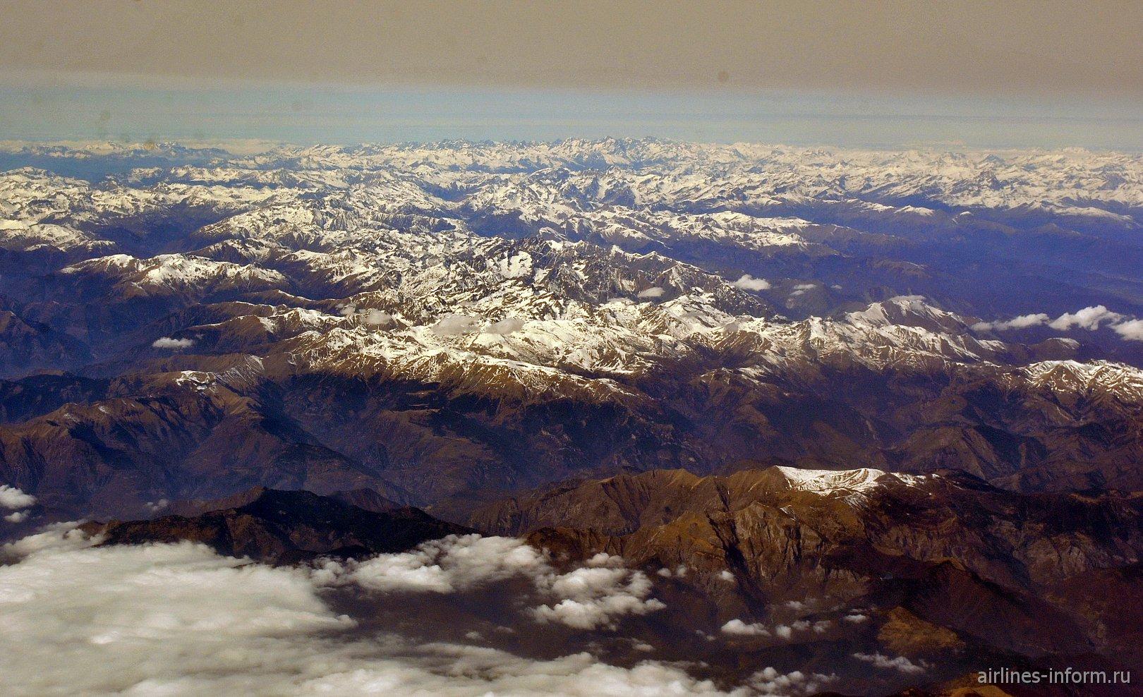 """Горы национальных парков """"Лигурийские Альпы"""" и """"Приморские Альпы""""  на границе Франции и Италии"""