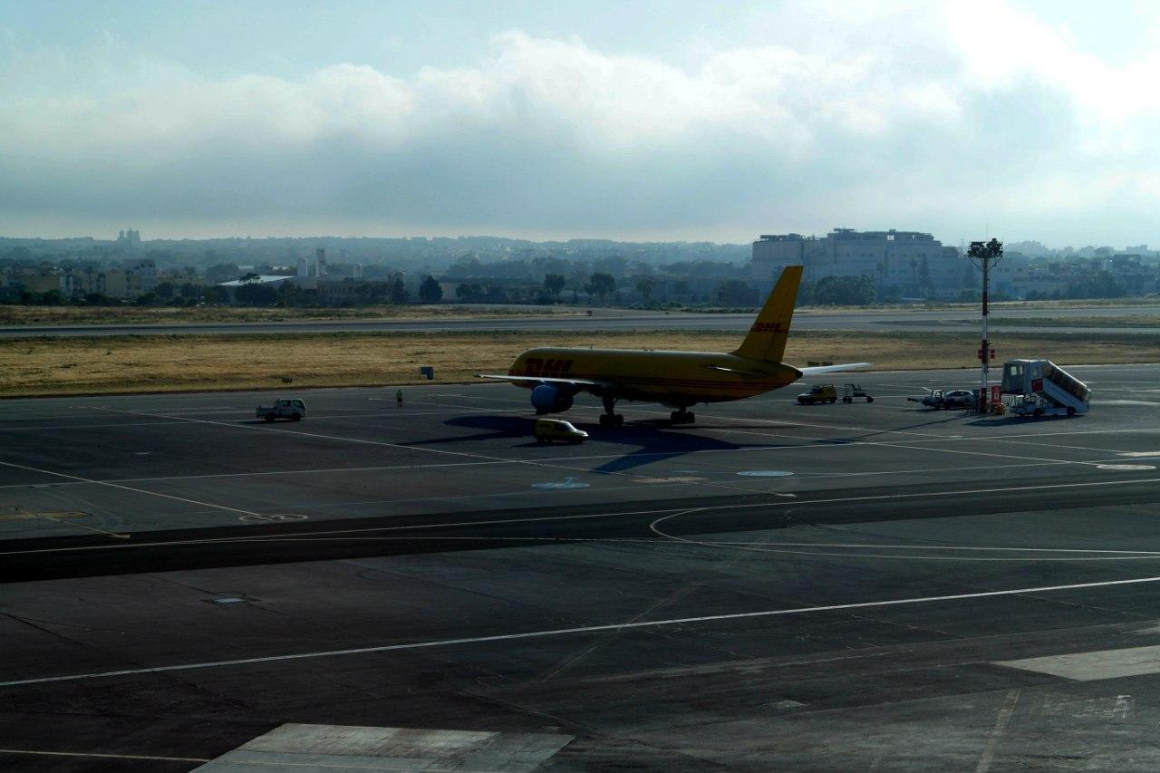Самолеты в аэропорту Мальта
