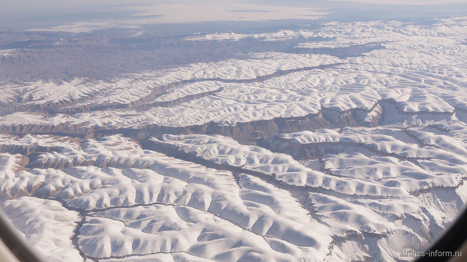 В полете над горами Афганистана