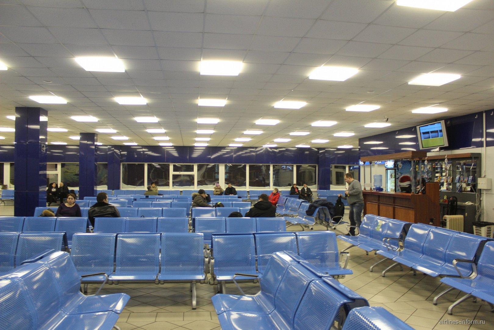 Зал ожидания в аэропорту Норильск Алыкель