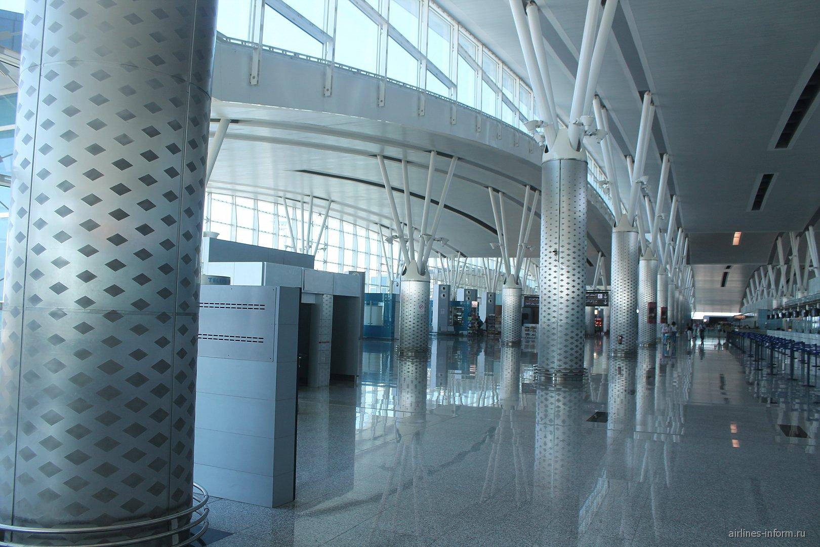 В аэровокзале аэропорта Энфида-Хаммамет