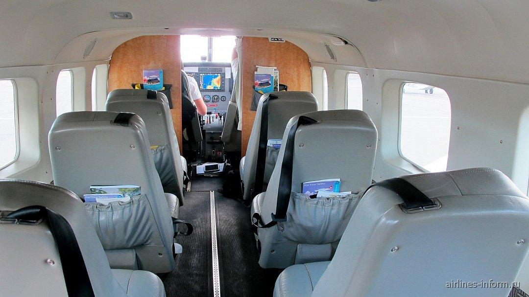 Салон самолета Cessna Caravan авиакомпании Mokulele Airlines