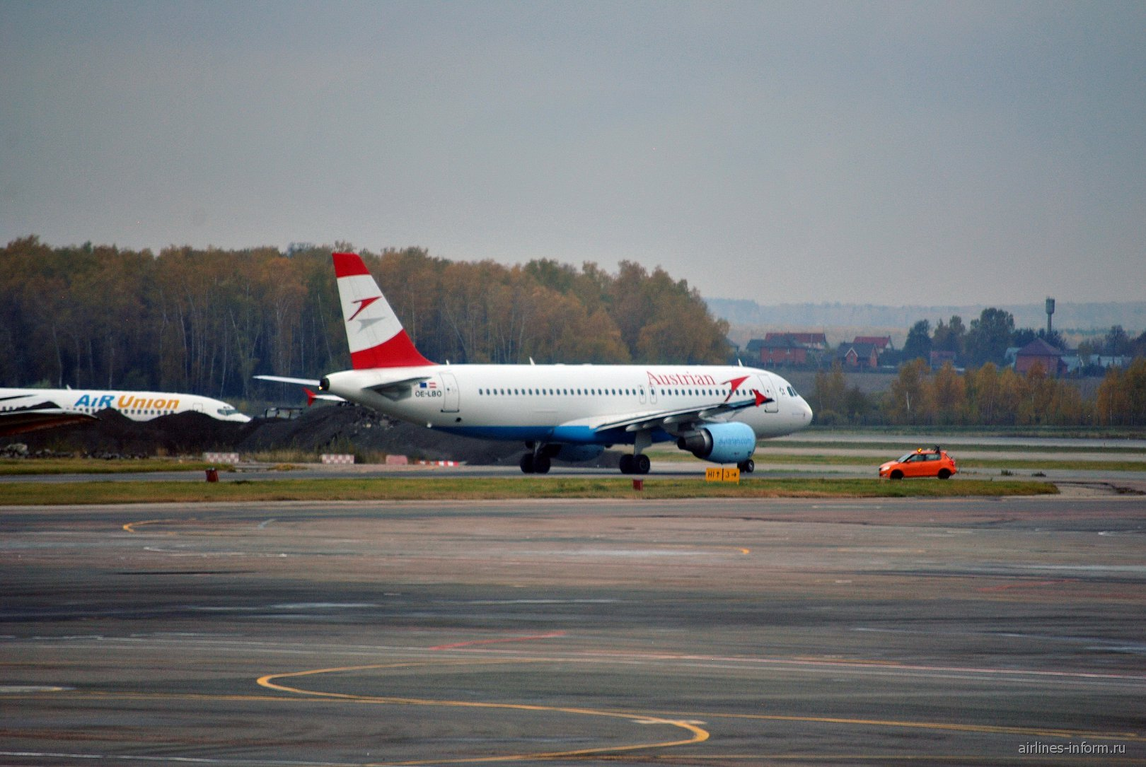 Airbus A320 Австрийских авиалиний в аэропорту Домодедово