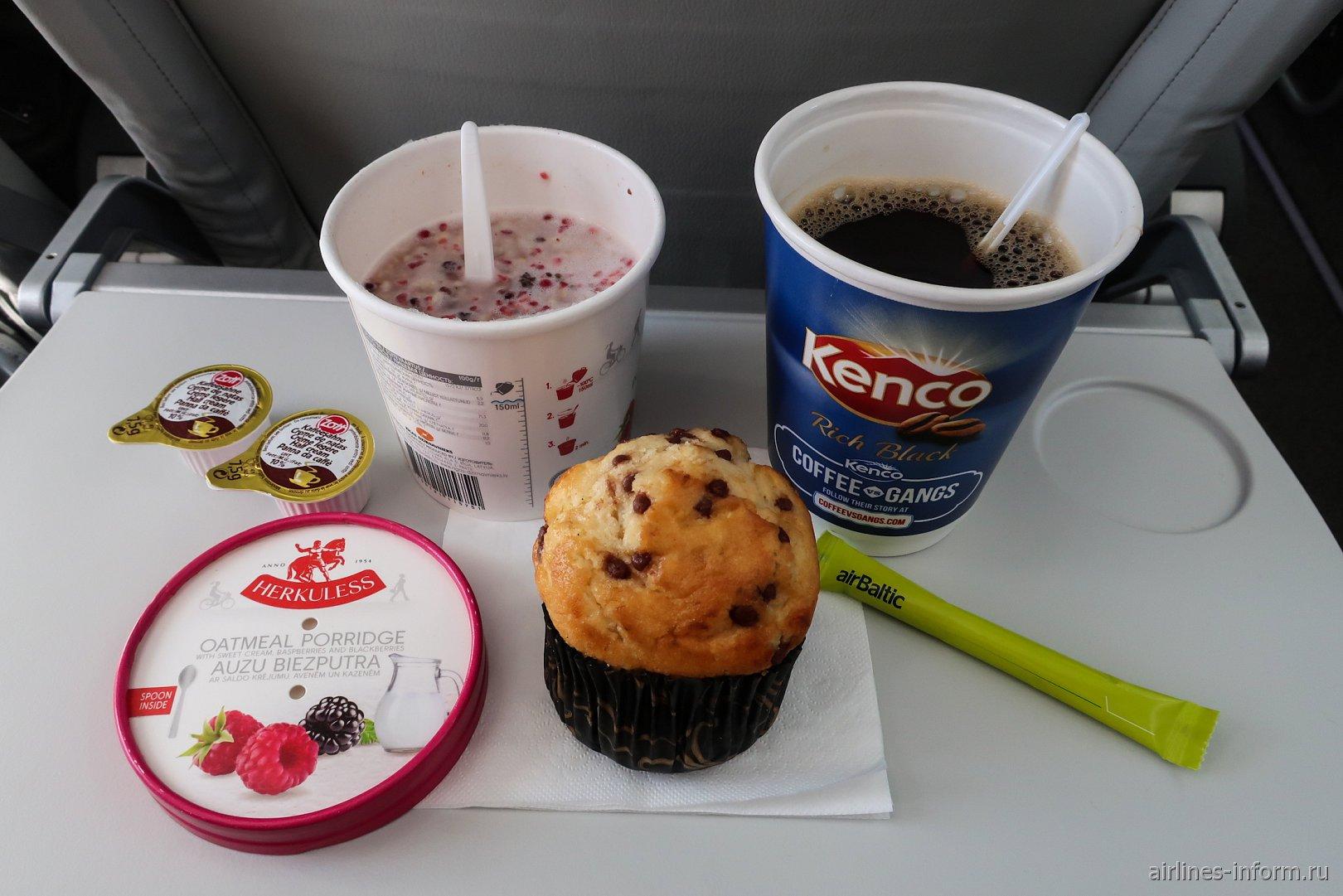 Платное питание на рейсе Москва-Рига авиакомпании airBaltic