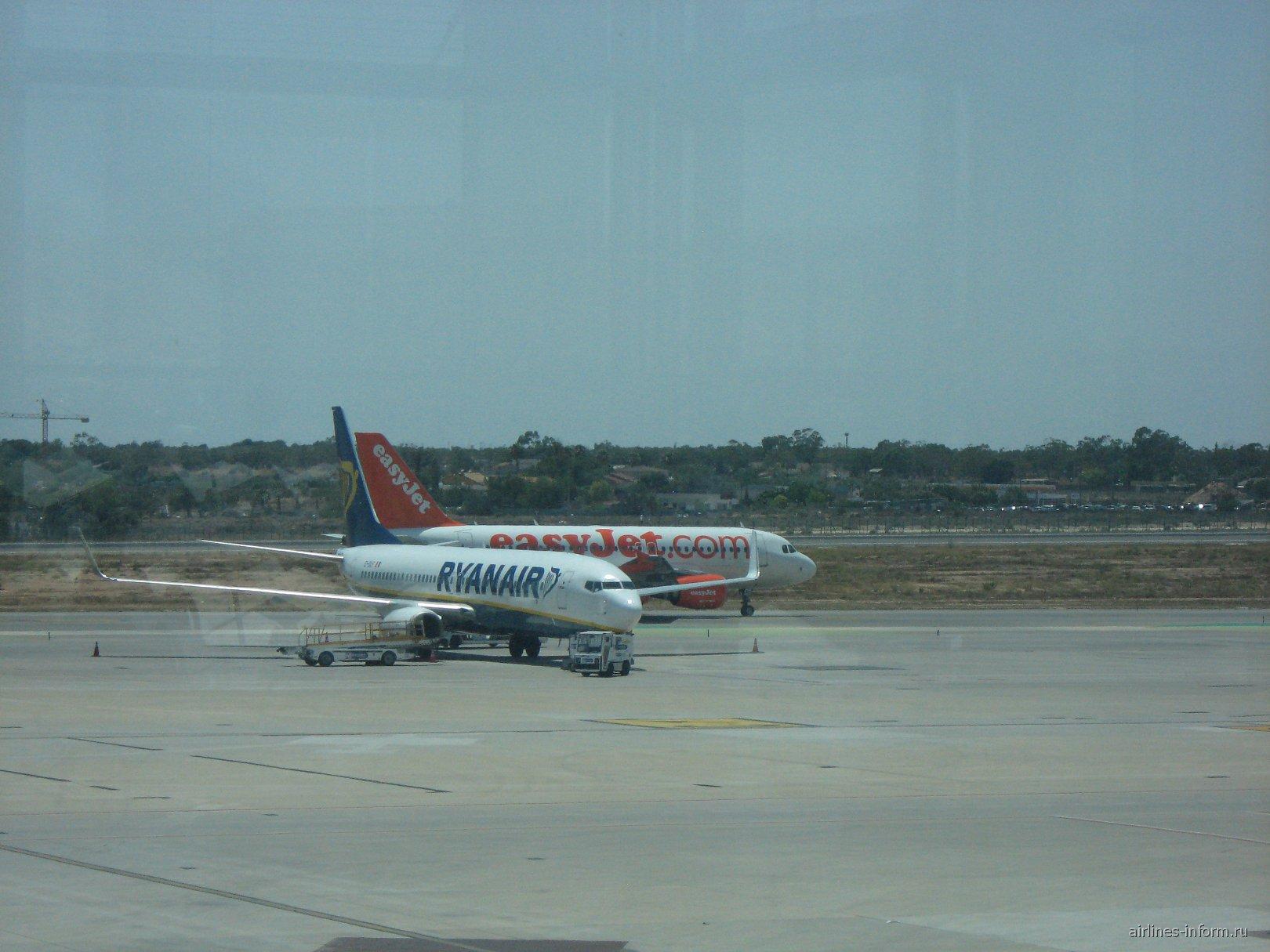 B738 Ryanair и A319 Easyjet