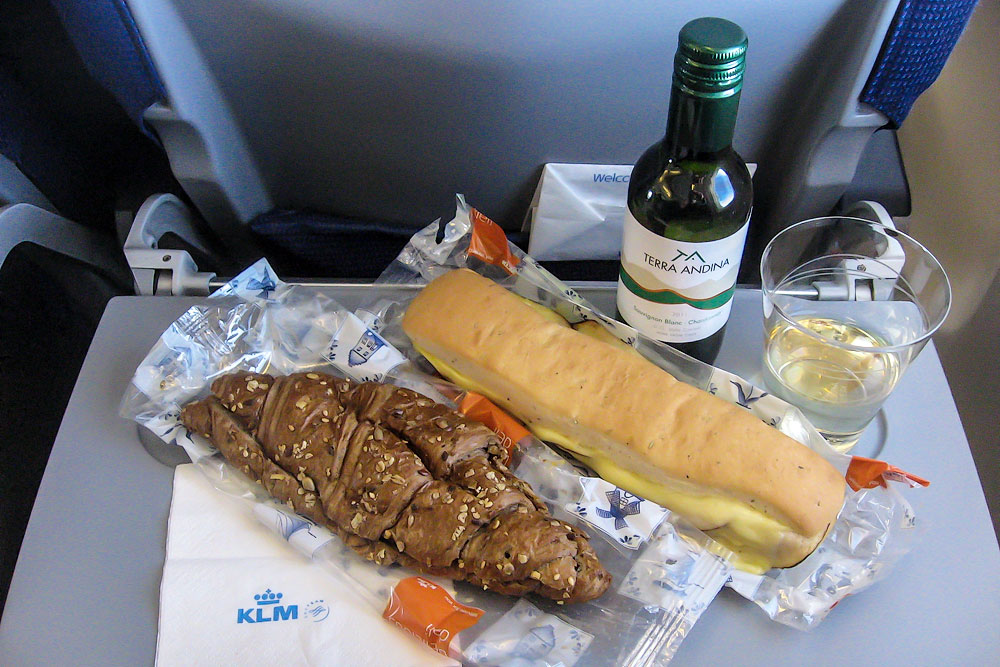 Onboard meal on a KLM flight