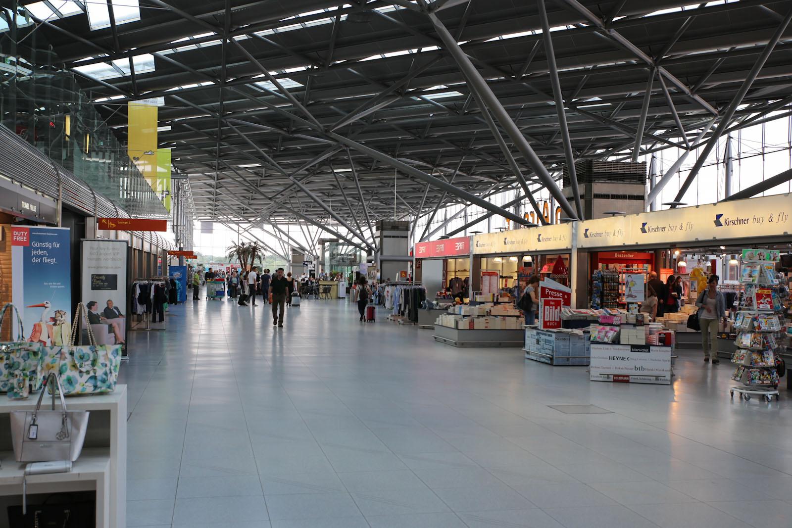 В чистой зоне терминала 2 аэропорта Кёльн/Бонн
