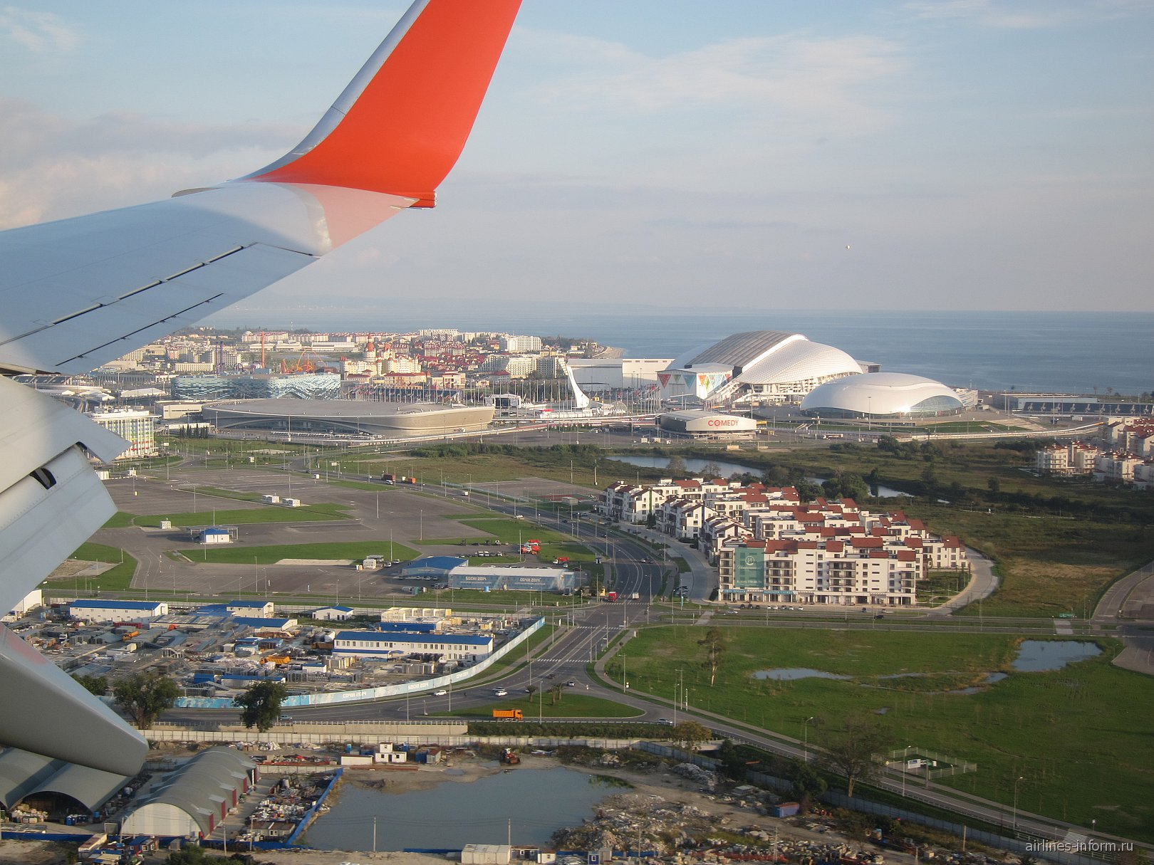 Вид на Олимпийский парк перед посадкой в аэропорту Сочи