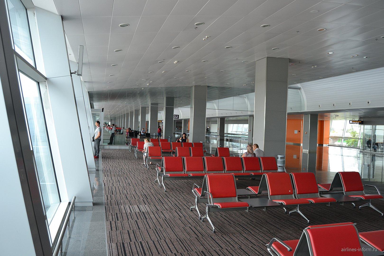 Залы ожидания в чистой зоне терминала D аэропорта Киев Борисполь