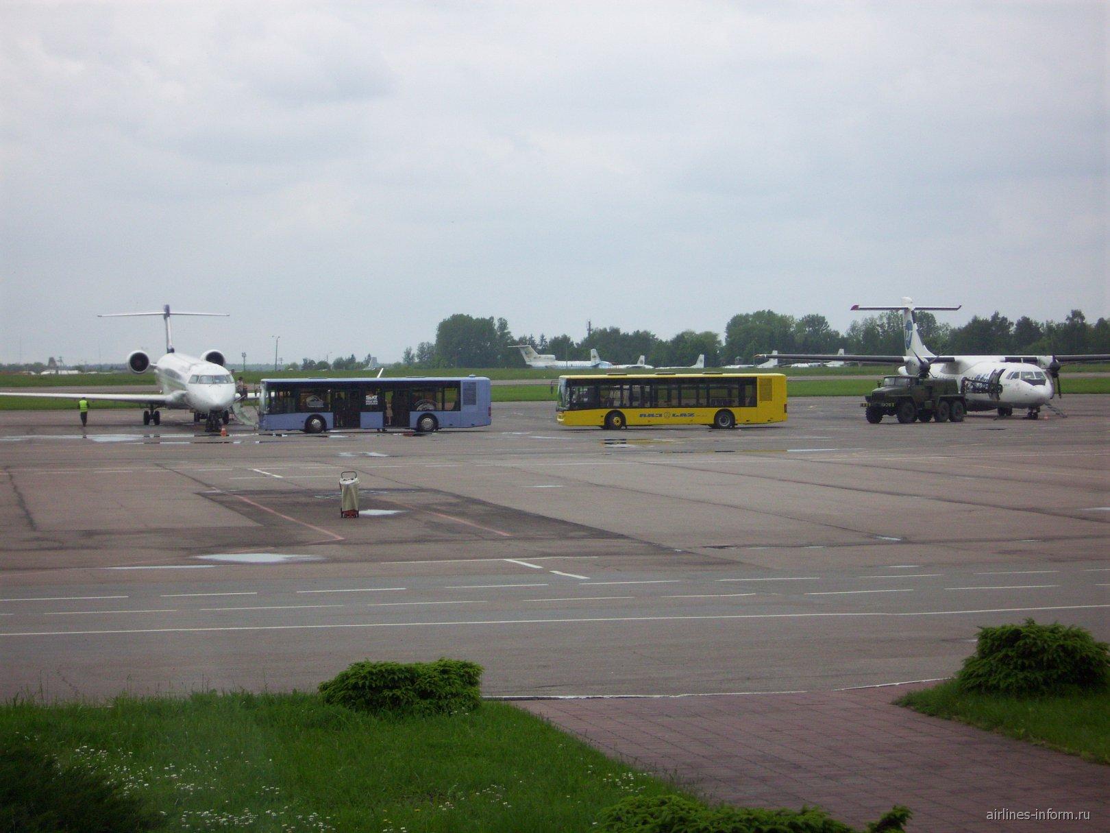 В аэропорту Львов