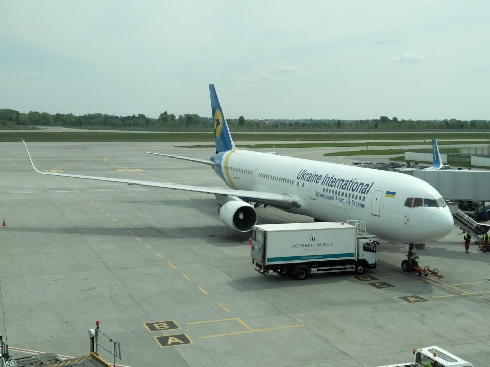 Боинг-767-300 Международных авиалиний Украины в аэропорту Борисполь