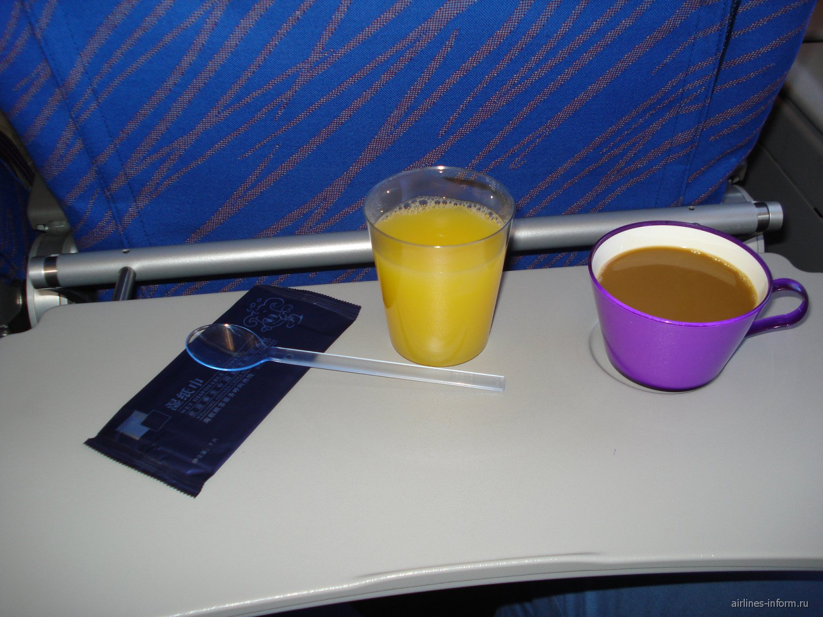 Питание на рейсе Гуанчжоу-Шанхай Китайских Южных авиалиний