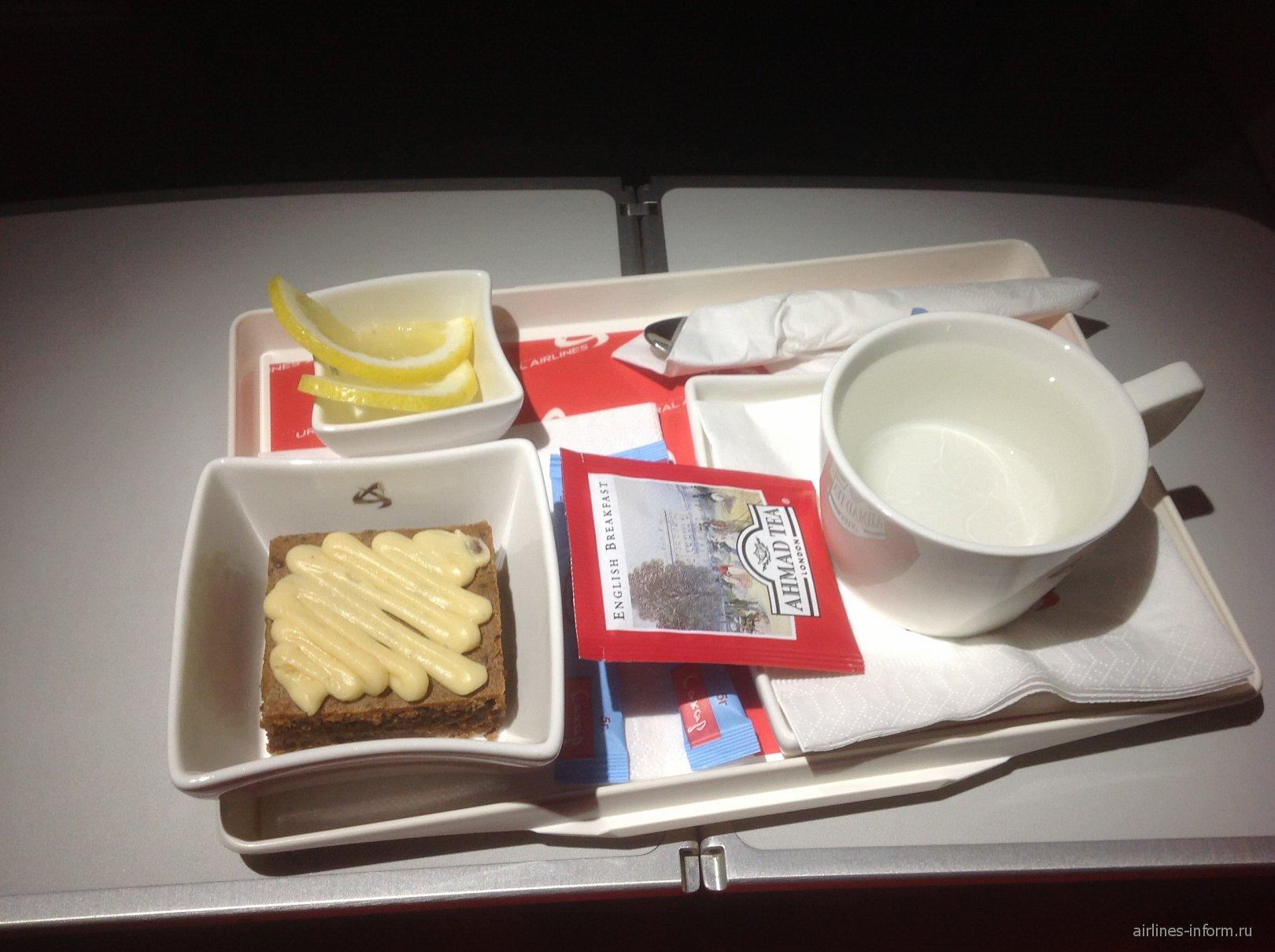 Десерт в бизнес-классе Уральских авиалиний