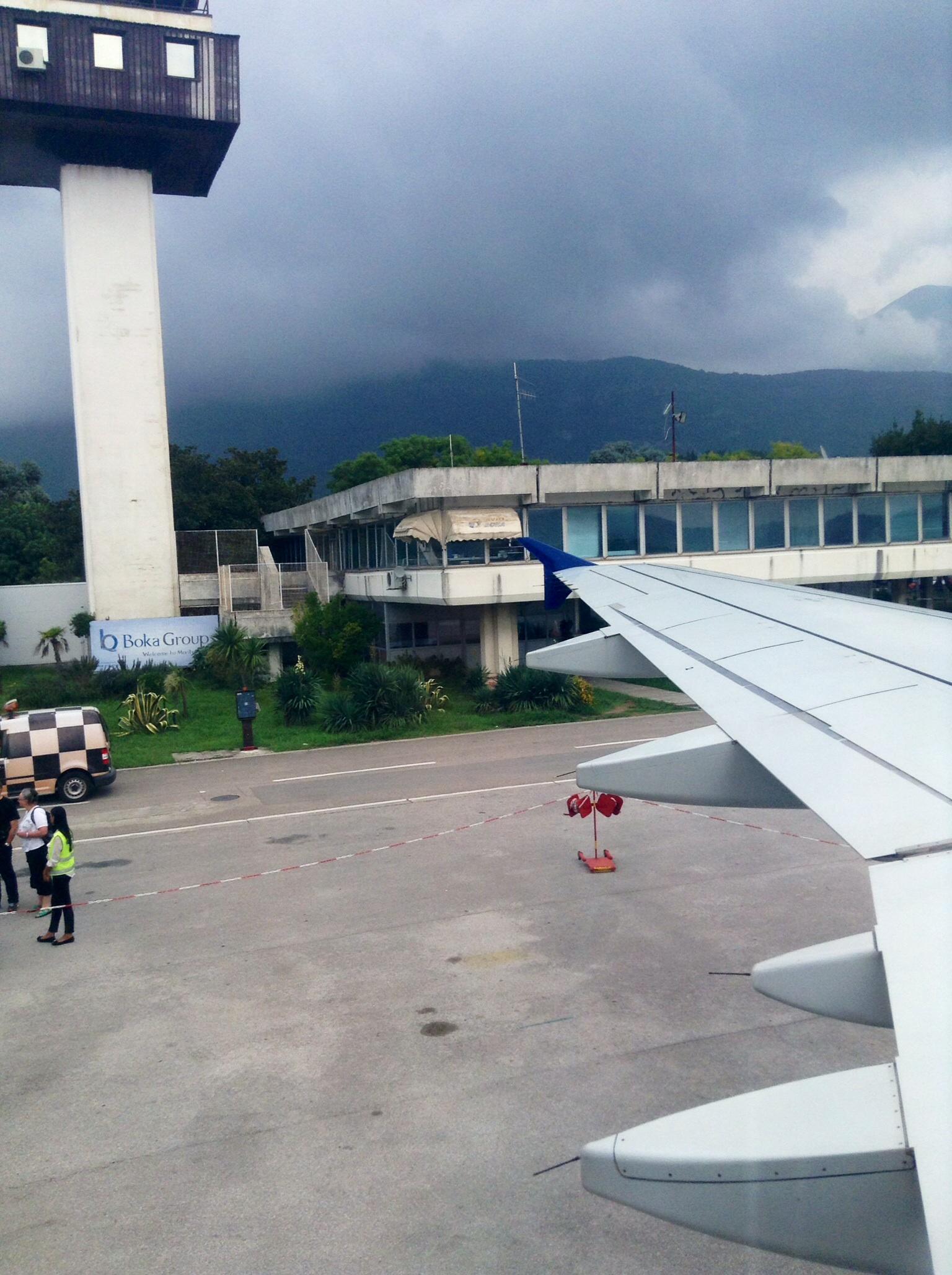 В аэропорту Тиват