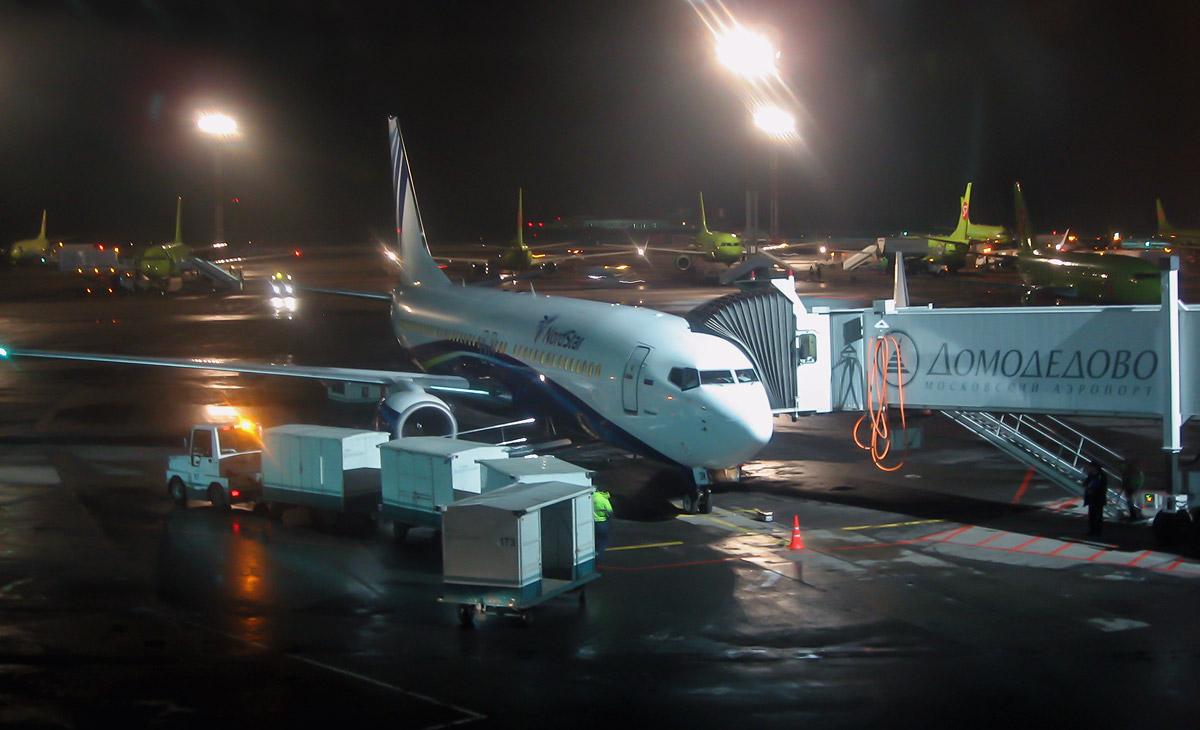 Боинг-737-800 авиакомпании НордСтар в аэропорту Домодедово