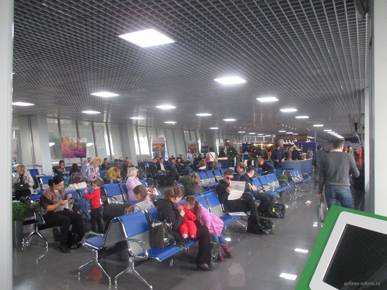 Зал ожидания в аэропорту Чита Кадала