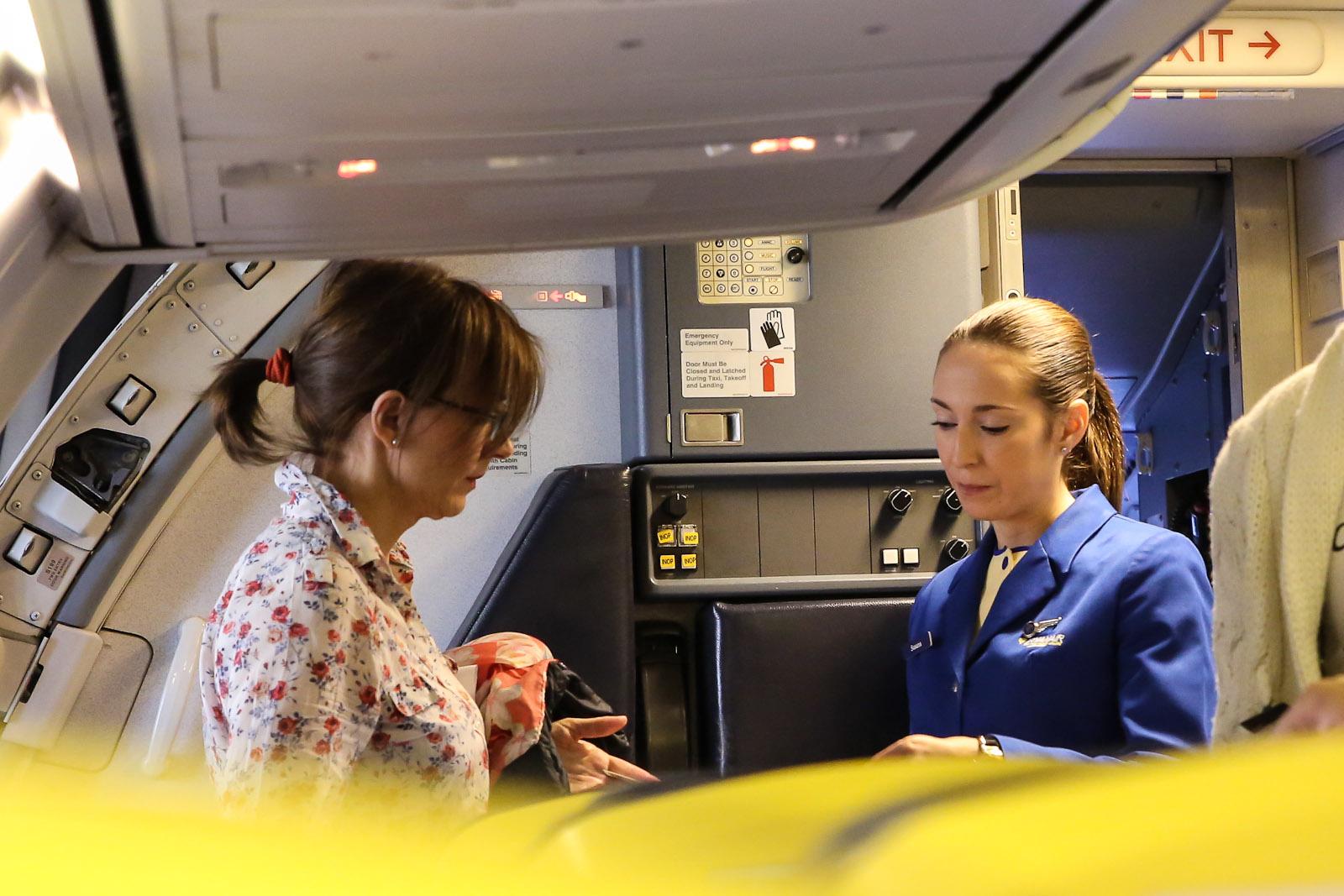 Стюардесса авиакомпании Ryanair