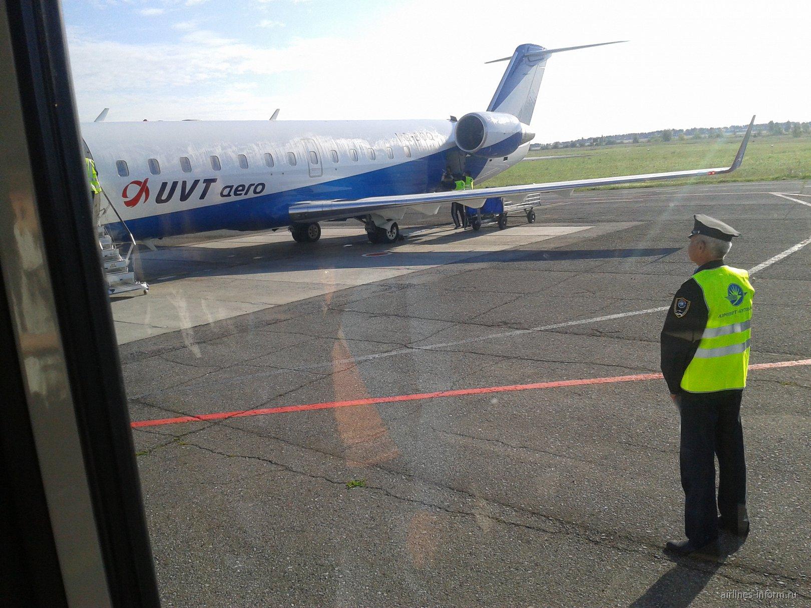 Bombardier CRJ200 авиакомпании ЮВТ-аэро
