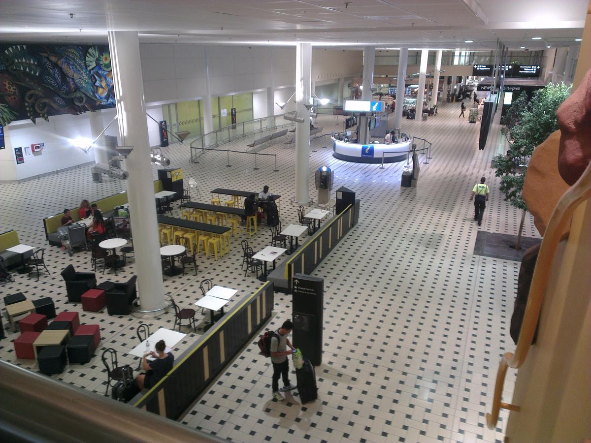 Зал прилета в аэропорту Брисбен