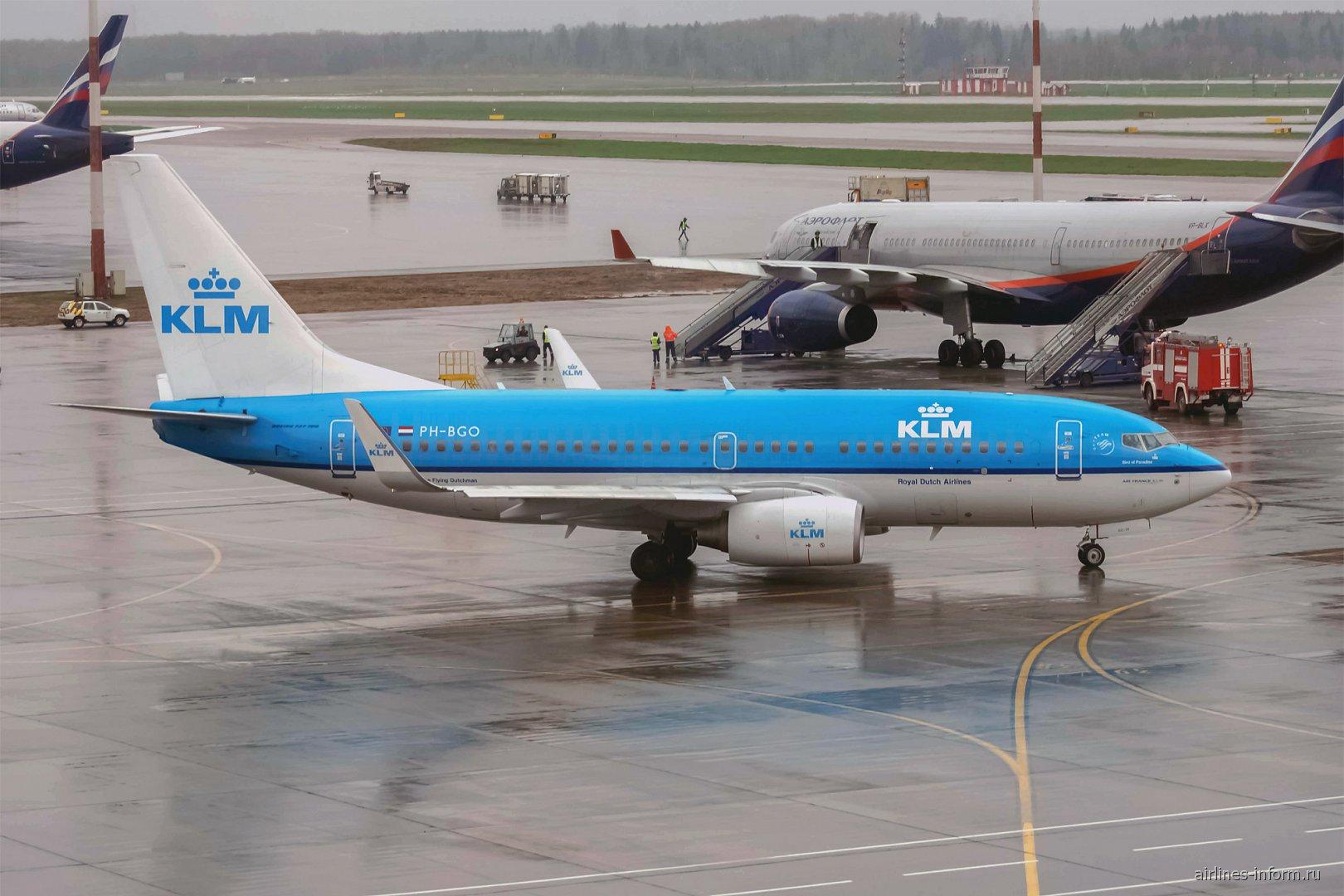 Boeing 737-300 PH-BGO авиакомпании KLM в аэропорту Шереметьево