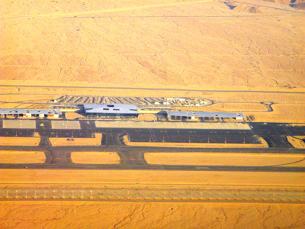 Перрон и аэровокзальный комплекс строящегося аэропорта Рамон на юге Израиля