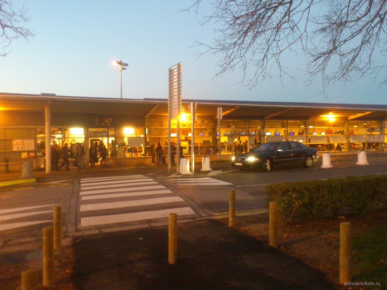 Терминал 1 аэропорта Париж Бове