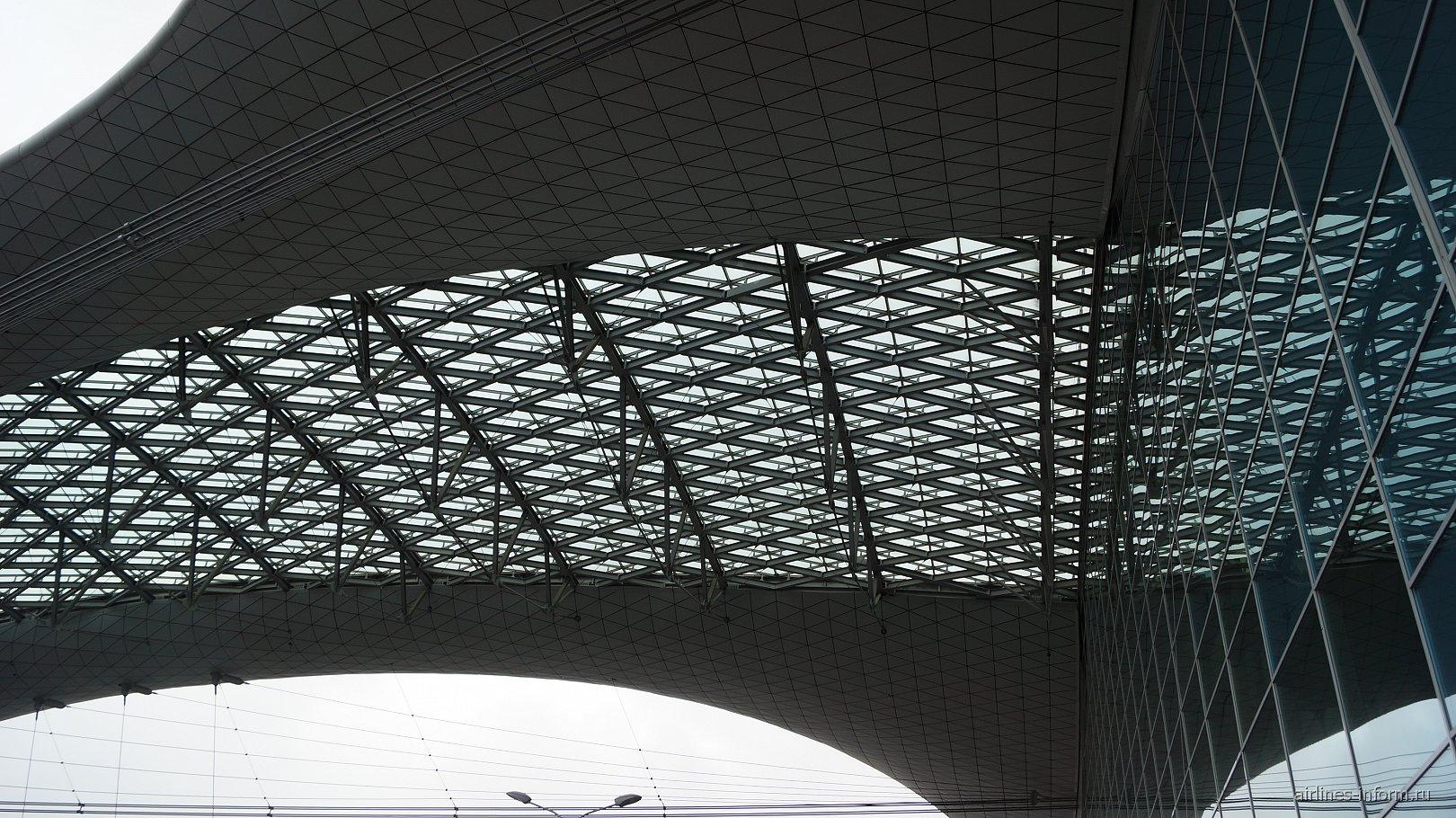 Козырек в терминале D аэропорта Шереметьево
