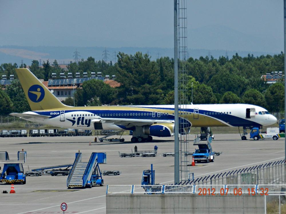 Боинг-757 авиакомпании I Fly в аэропорту Анталья