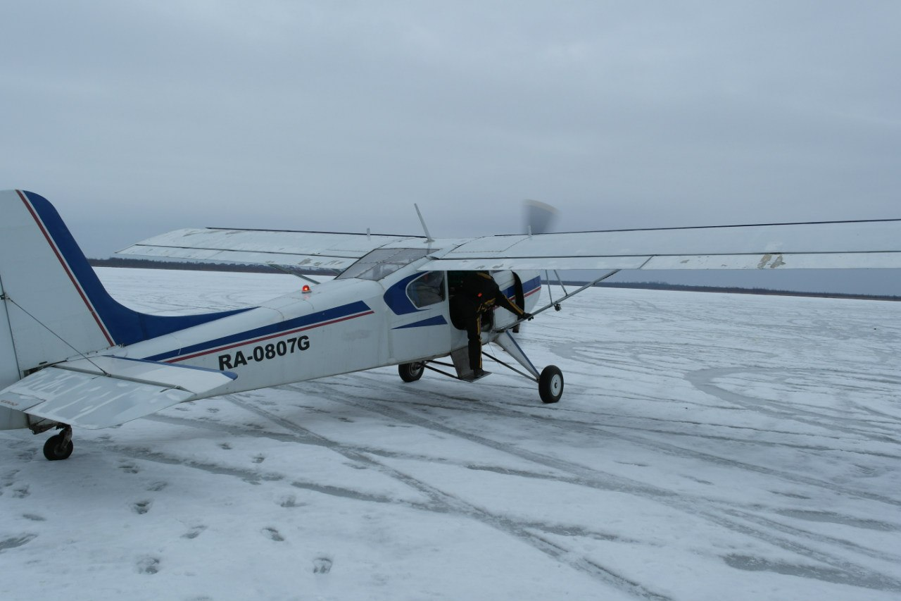 Самолет Як-12 на аэродроме Лихославль