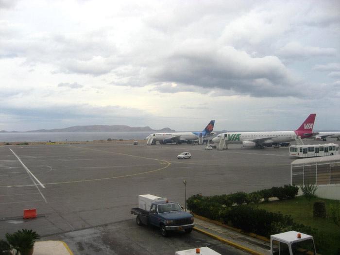 Летное поле аэропорта Ираклион