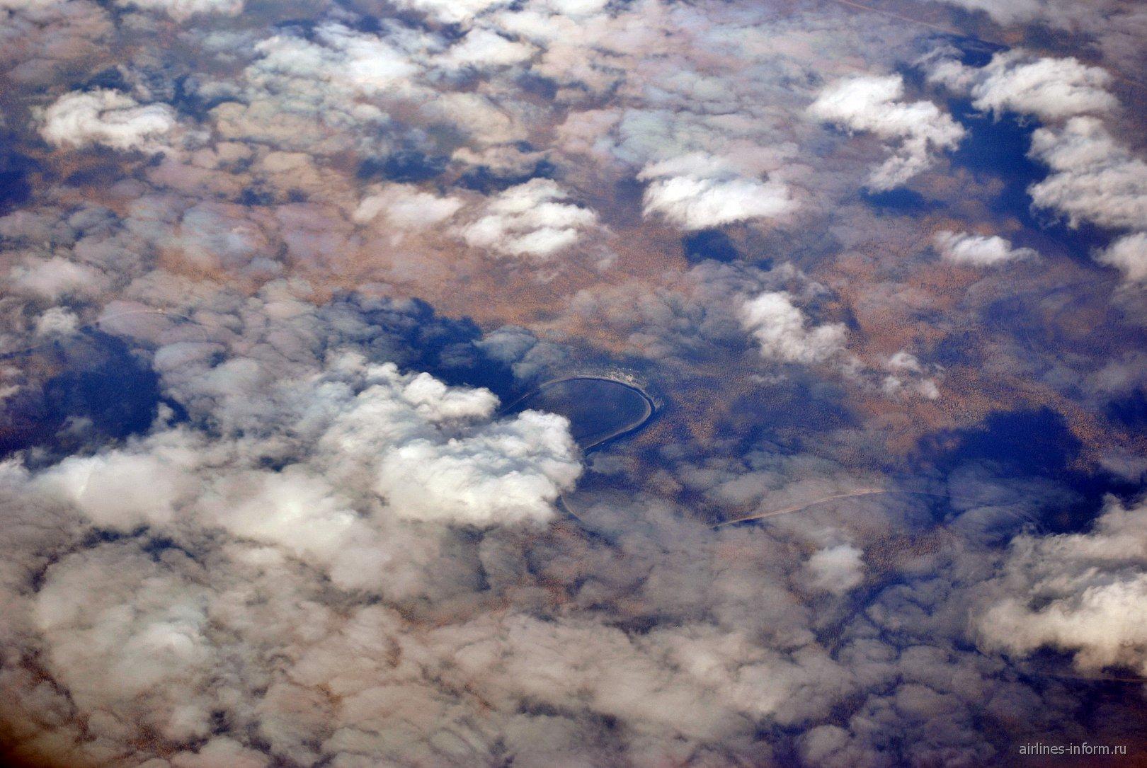 Разрывы облаков над Восточной Сибирью