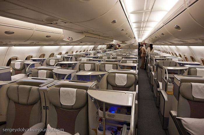 Салон бизнес-класса Airbus A380 Emirates