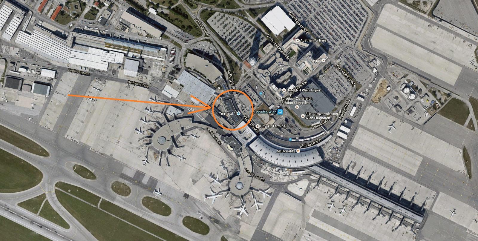 Вид со спутника на терминалы аэропорта Вена Швехат