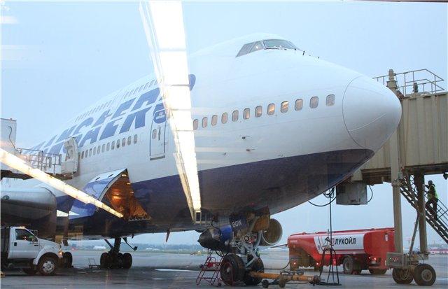 Боинг-747-300 авиакомпании Трансаэро в аэропорту Пулково