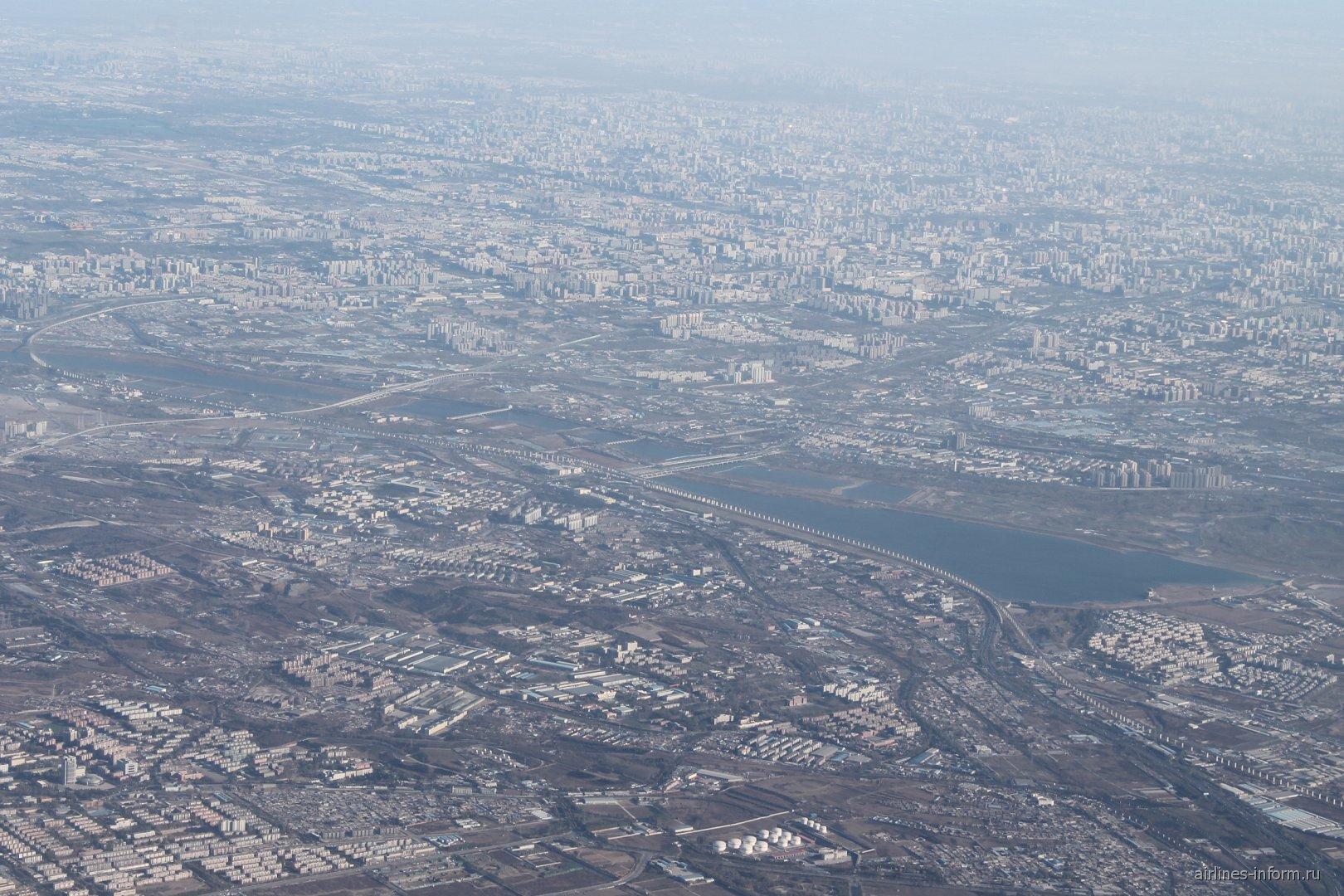 Вид на Пекин из самолета