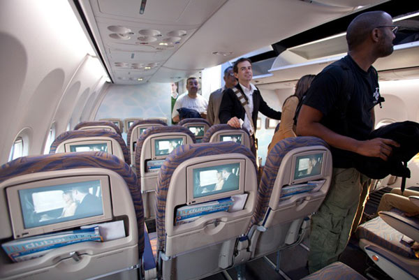 Внутри самолета Боинг-737-800 авиакомпании Flydubai