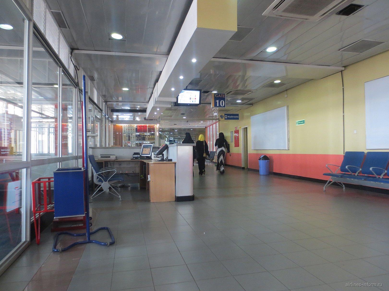 Выход на посадку в аэропорту Найроби Джомо Кеньятта