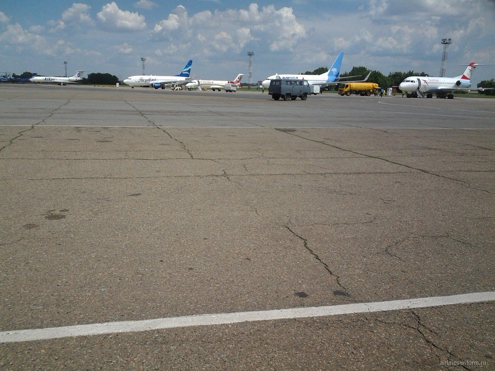 Летное поле аэропорта Краснодар Пашковская
