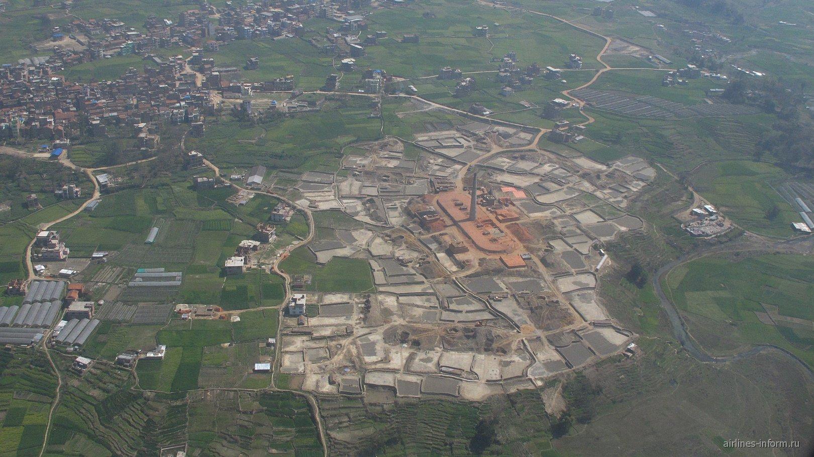 Кирпичный завод в пригороде Катманду
