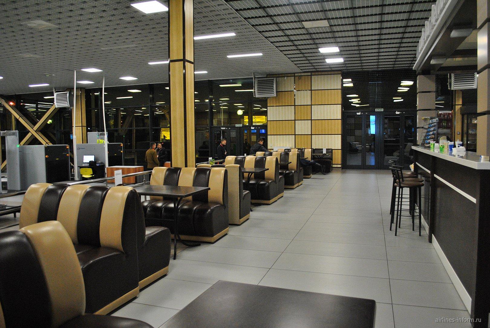 Кафе в терминале А аэропорта Симферополь