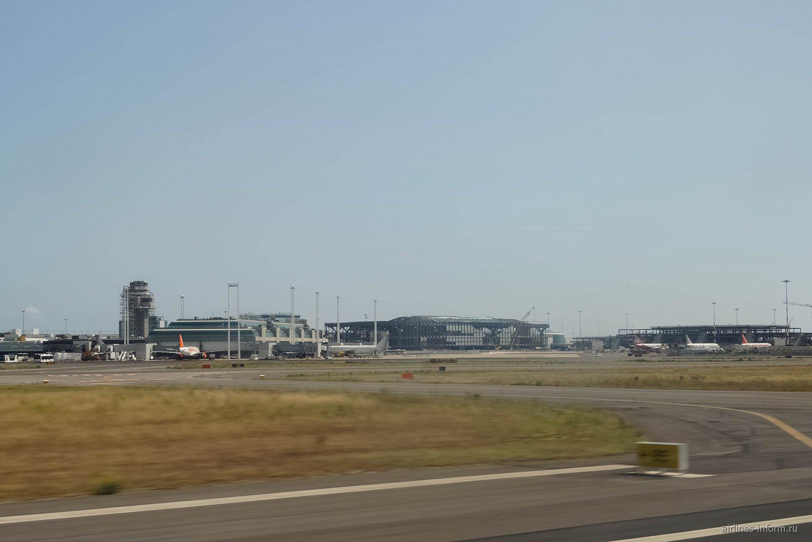 Терминал 3 и строящийся сектор D аэропорта Рим Фьюмичино