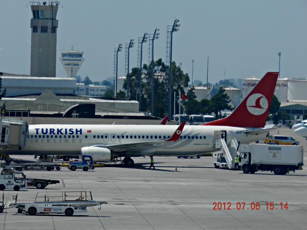 Боинг-737 Турецких авиалиний в аэропорту Анталья