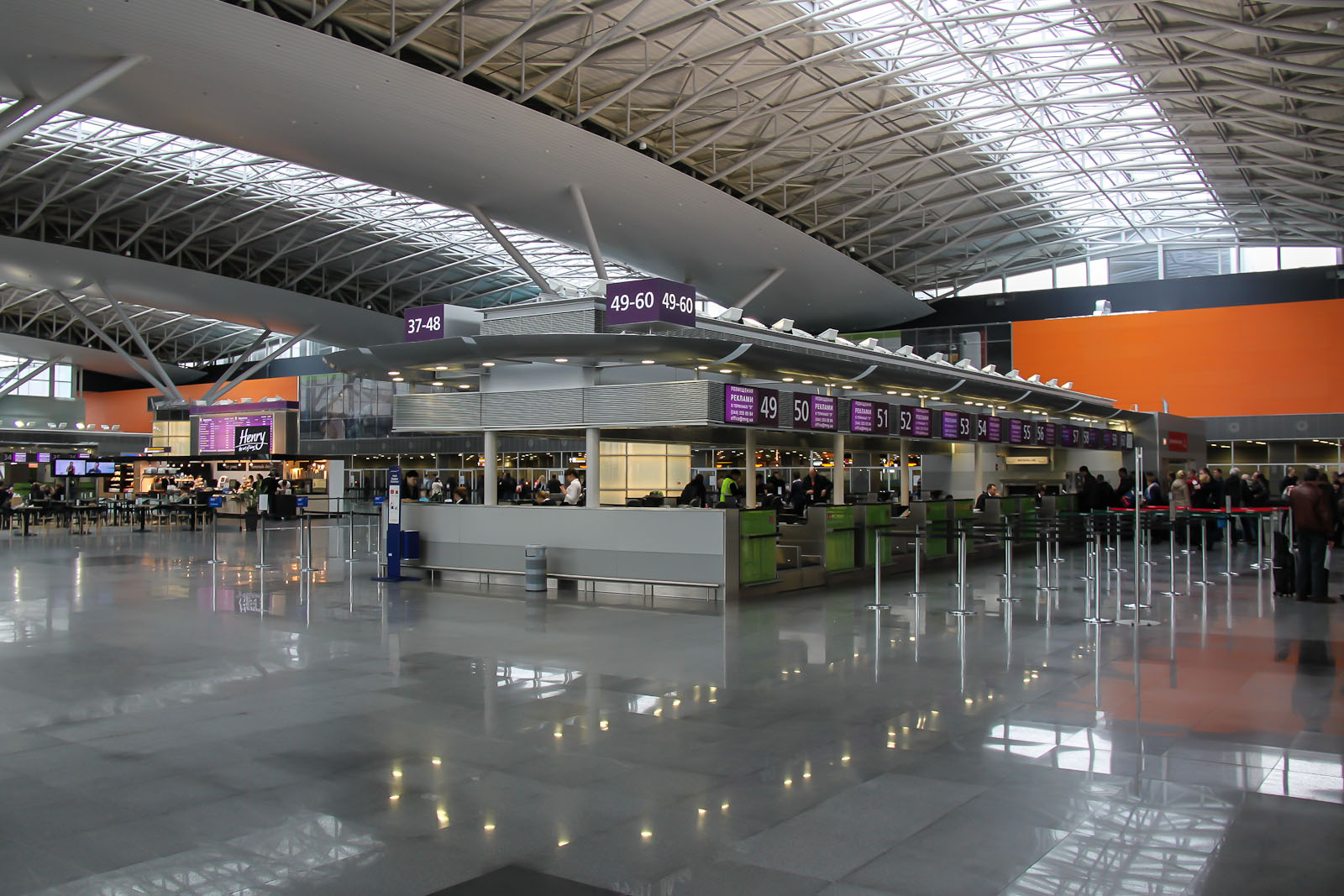 Стойки регистрации в Терминале Д аэропорта Киев Борисполь