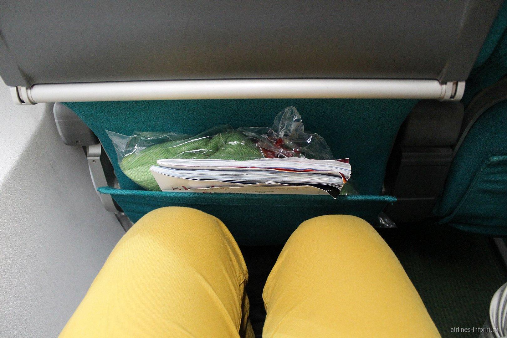 Кресла в самолете Фоккер-70 Австрийских авиалиний