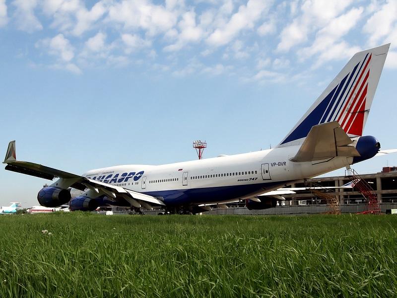 Боинг-747-400 авиакомпании Трансаэро в аэропорту Домодедово