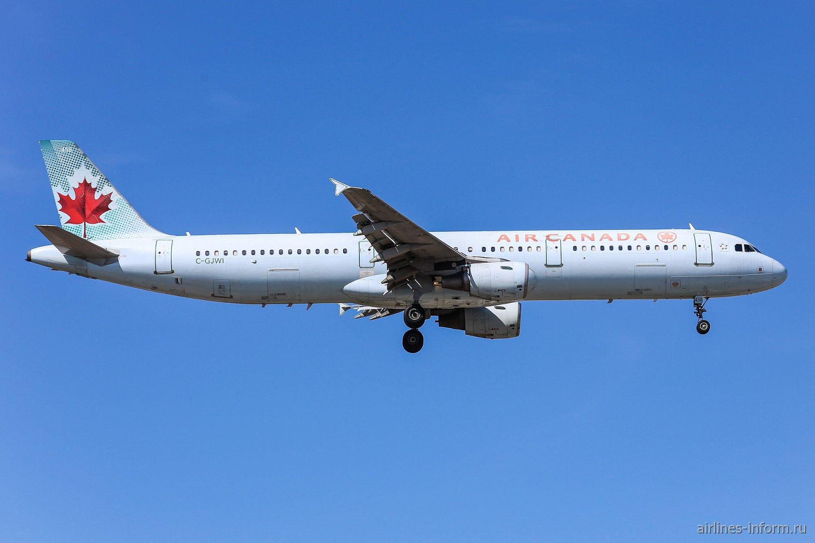 Самолет Airbus A321 C-GJWI авиакомпании Air Canada